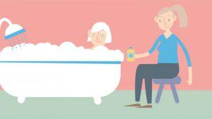حمام کردن پدر و مادر پیر
