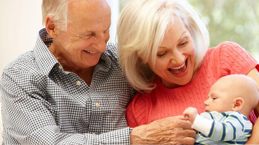 شیرینی نوه برای پدربزرگ و مادربزرگ