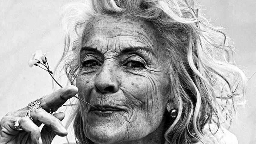 مادربزرگ عاشق سفر