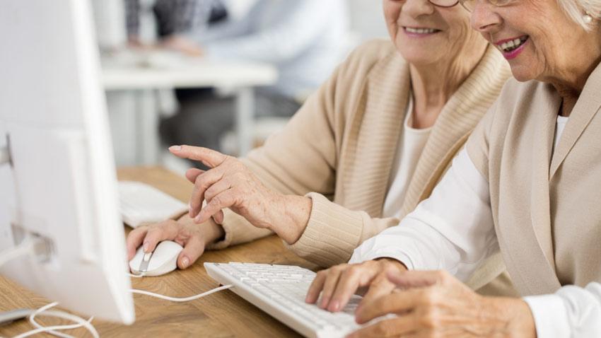 یادگیری سالمندان با شبکه های اجتماعی