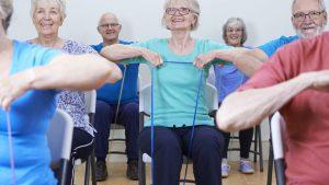 تمرین با کش برای سالمندان