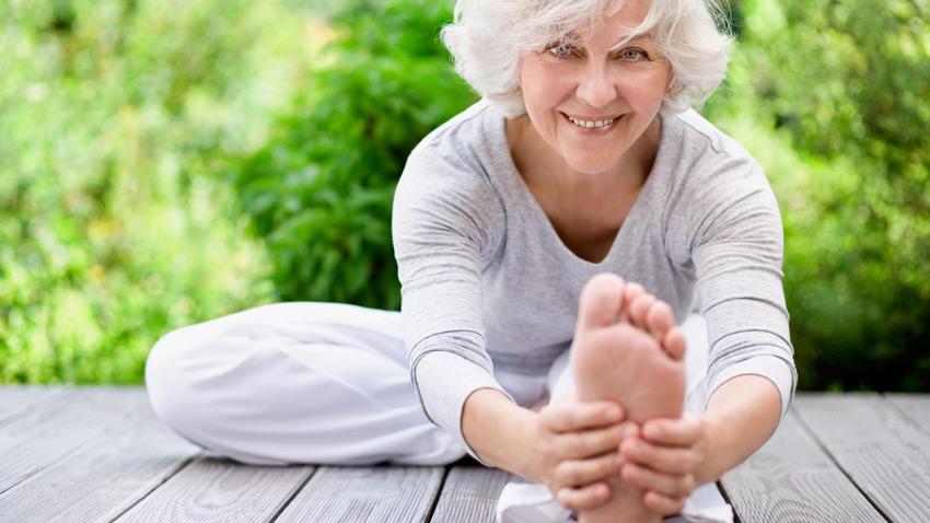 کشش عضلات در سالمندان