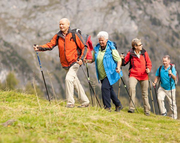 مزایای کوهنوردی برای سالمندان