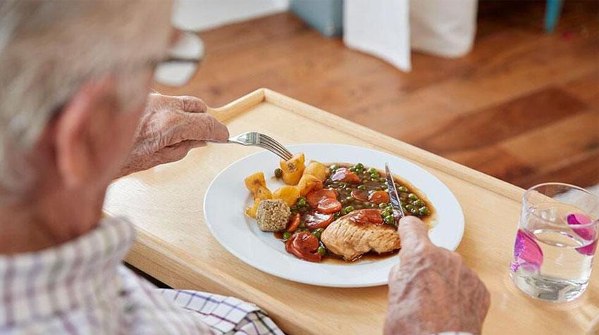 مسئله تغذیه سالمندان در کرونا